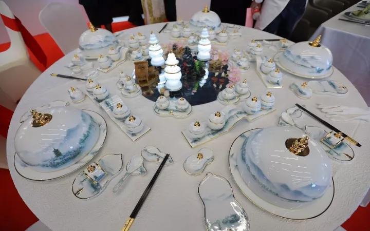 中餐创意摆台设计图片